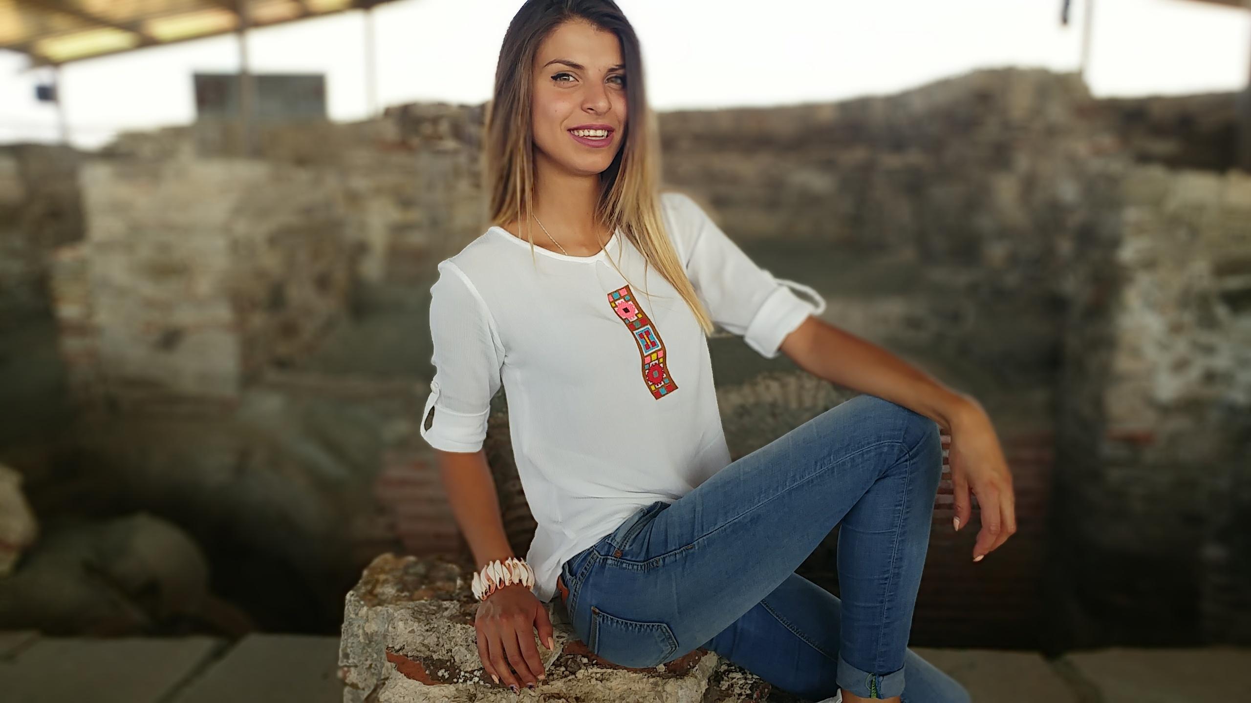 Блуза с карнобатска шевица2